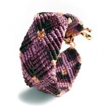 Pulsera macramé violeta